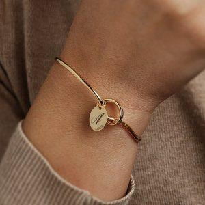 Personalized Gold Knot Bracelet